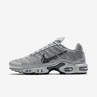 Men's Air Max Plus Shoes. Nike SE
