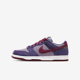 Lila Schuhe. Nike LU