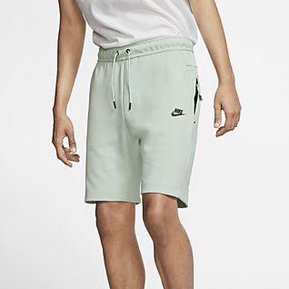 3ddf21a38f08a Nike Sportswear Tech Fleece · Nike Sportswear Tech Fleece. Nike Sportswear  Tech Fleece. Short en tissu Fleece pour Homme