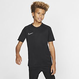 competitive price a6e1b bd943 Soccer Clothing. Nike.com
