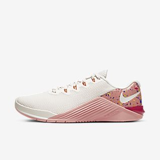 Chaussures de Fitness & Training Femme. Nike BE