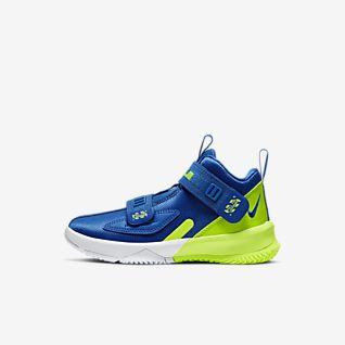separation shoes 343cf 4a7b0 Kids' LeBron James Shoes. Nike.com