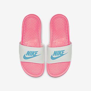 Flip Flops und Sandalen. DE