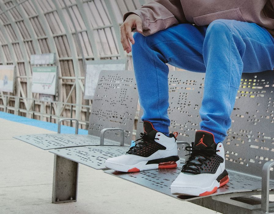 great look first look fashion Jordan. Nike FR