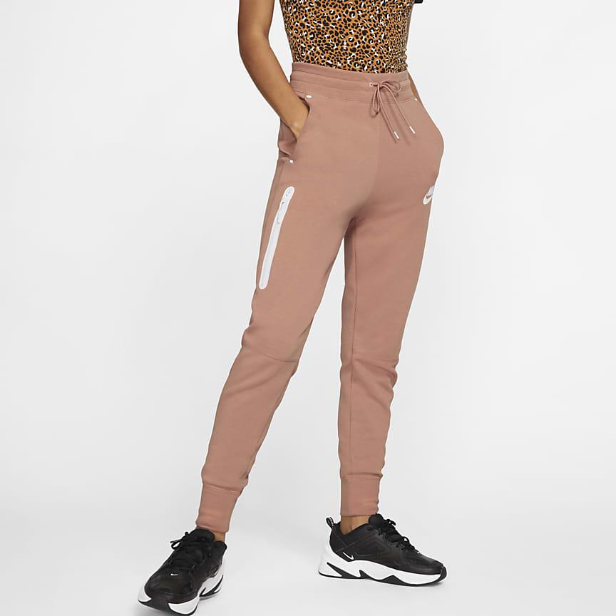 f2a6f208692 Nike Sportswear Tech Fleece. Γυναικείο παντελόνι