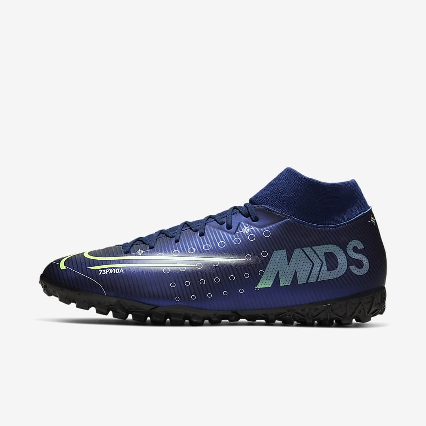 Artificial-Turf Football Shoe