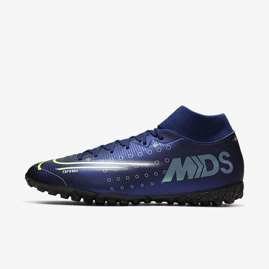 Botes de futbol per a terreny artificial i moqueta-turf