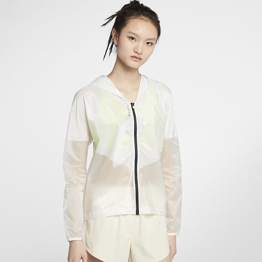 the latest c6587 7cba1 Nike Breathe Pro. Women s Hooded Running Jacket