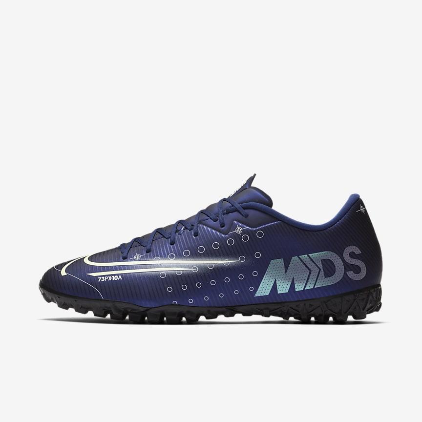 Buty piłkarskie na sztuczną nawierzchnię typu turf