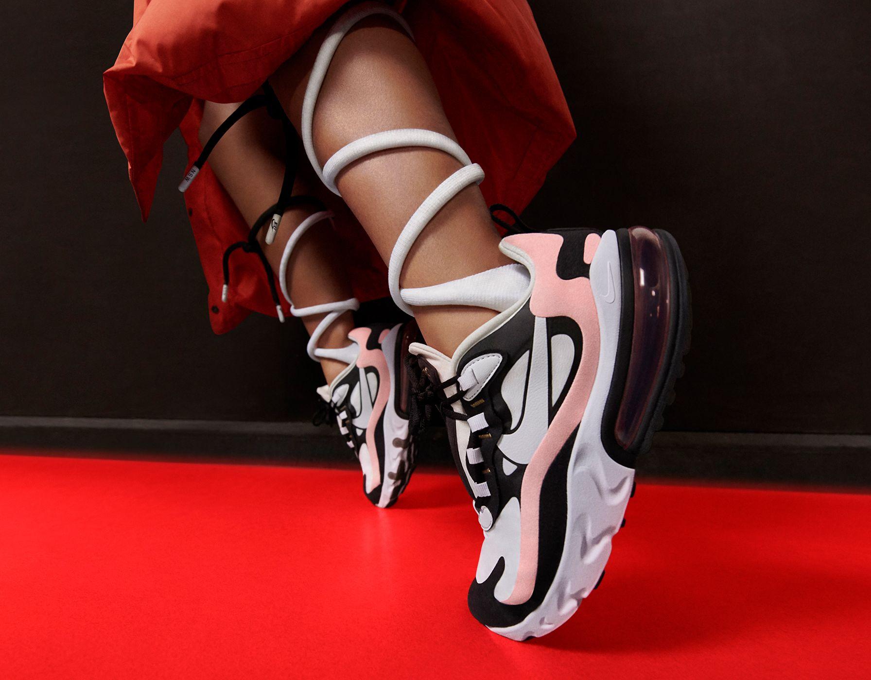 Hermoso En Color, Online Nike Air Max Plus Soccer Zapatos