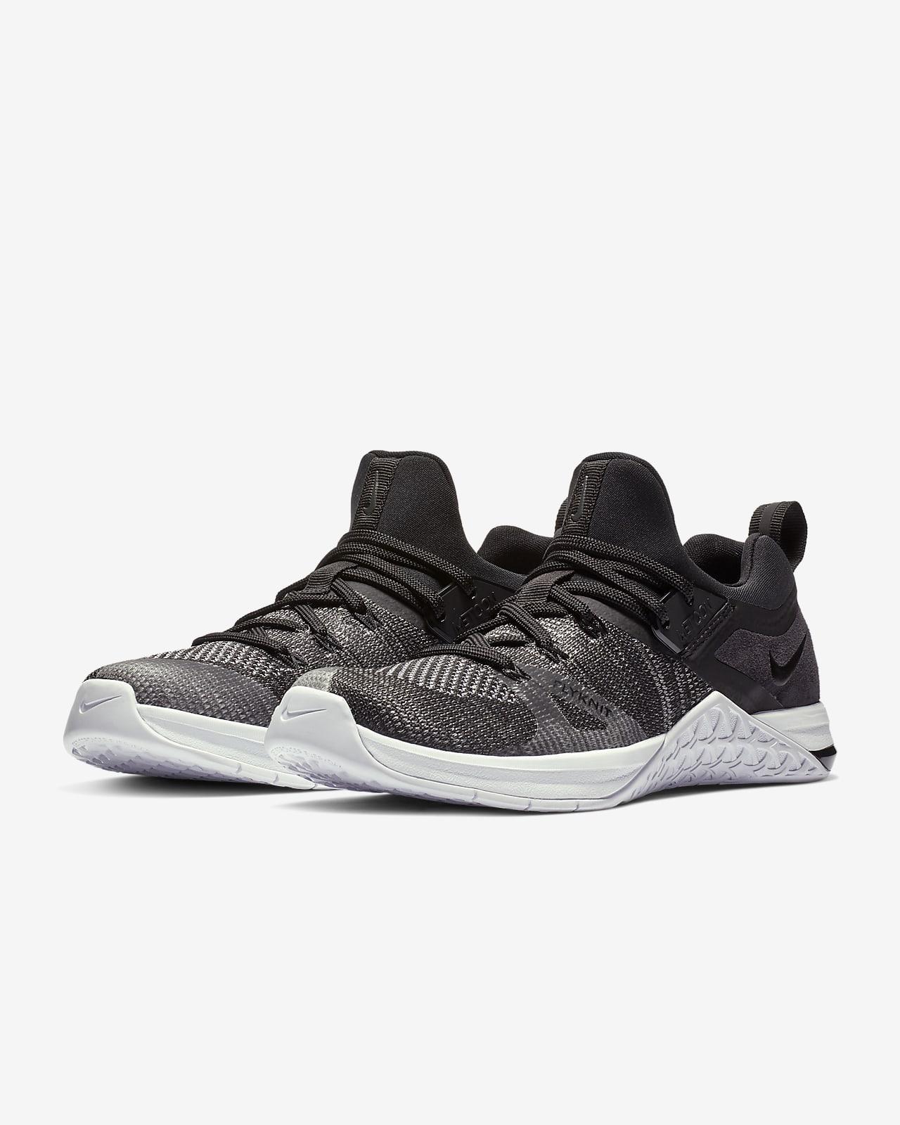 tidlös design sportskor Förenta staterna Sko Nike Metcon Flyknit 3 för crosstraining och tyngdlyftning för kvinnor.  Nike SE