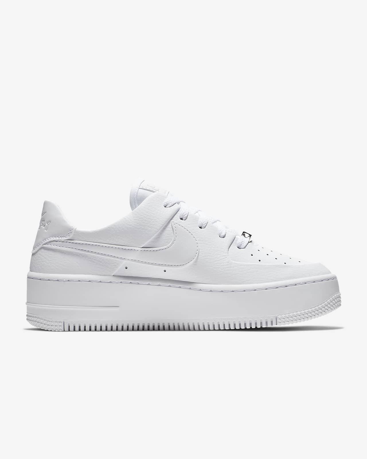 Nike Air Force 1 Sage Low damesko. Nike NO