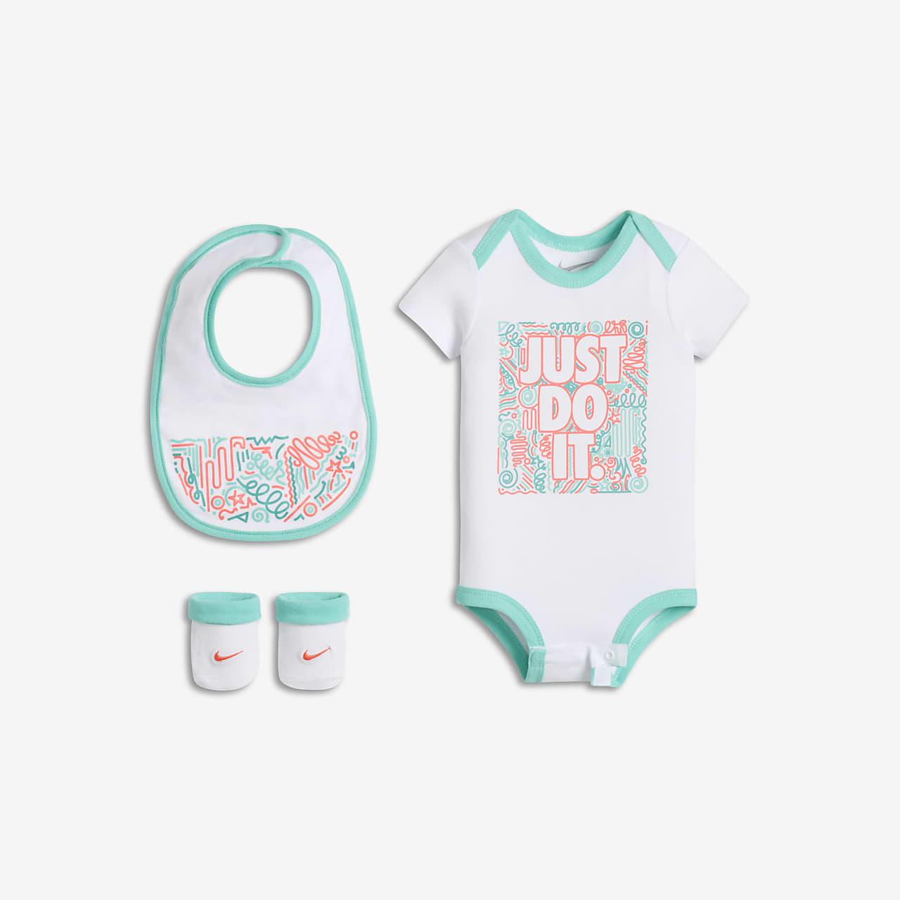 Nike Swoosh Squiggle Three-Piece Babyset