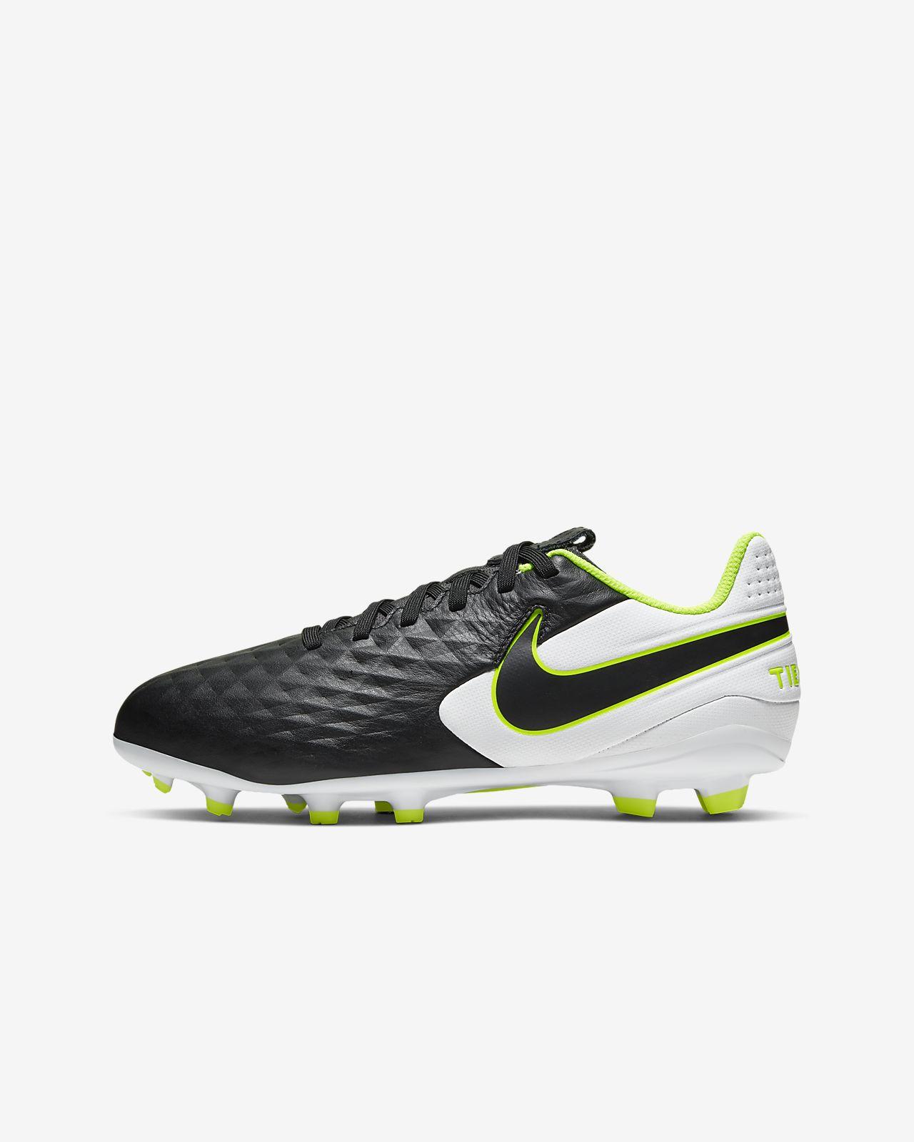 Nike Jr. Tiempo Legend 8 Academy MG fotballsko til flere underlag til små og store barn