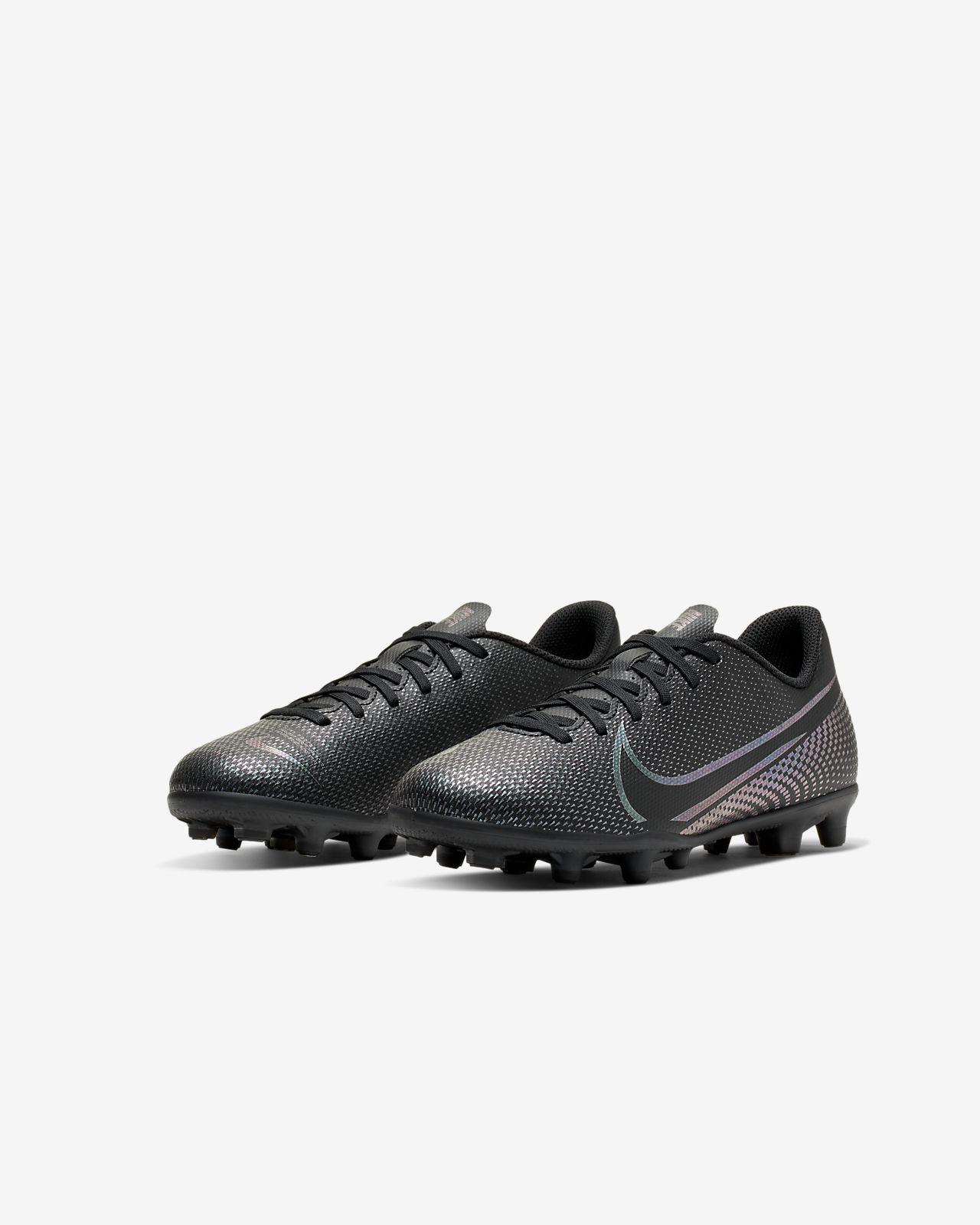 Nike Jr. Mercurial Vapor 13 Club MG többféle talajra készült stoplis futballcipő gyerekekneknagyobb gyerekeknek