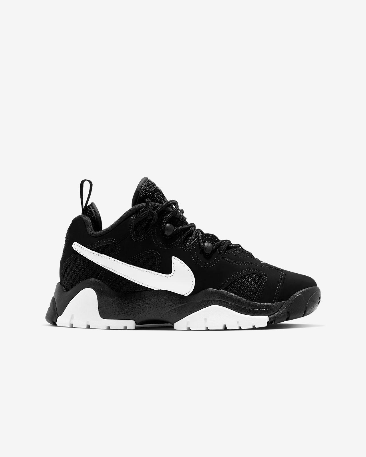 Nike Air Barrage Low Older Kids' Shoe
