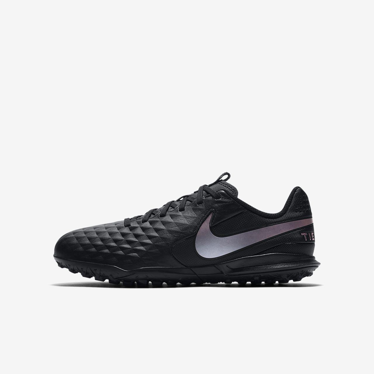 Buty piłkarskie Nike Tiempo Legend 8 Academy Ic Jr AT5736 010 czarny czarne