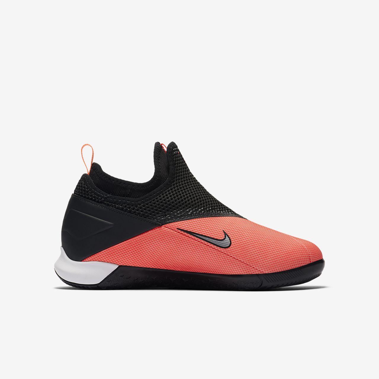 Nike Jr. Phantom Vision 2 Academy Dynamic Fit IC YoungerOlder Kids' Indoor Court Football Shoe