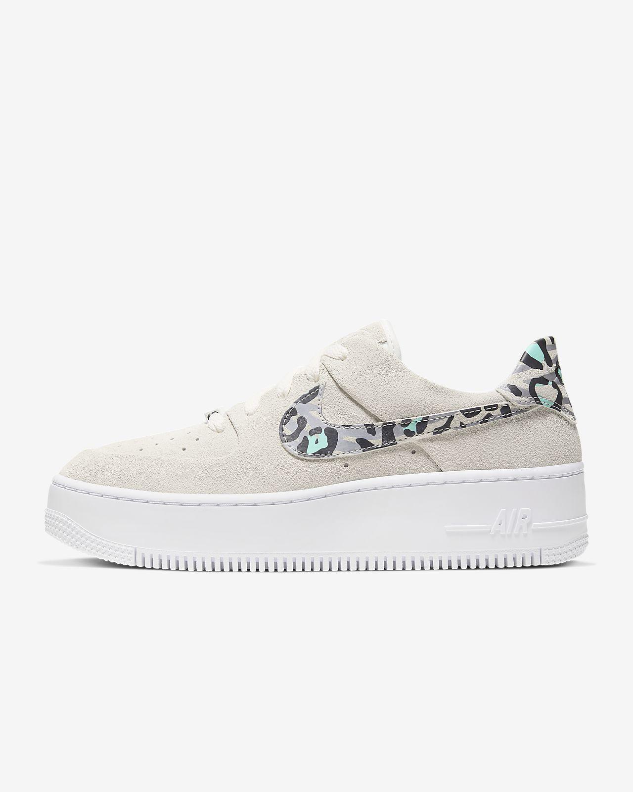 Sko Nike Air Force 1 Sage Low med djurmönster för kvinnor