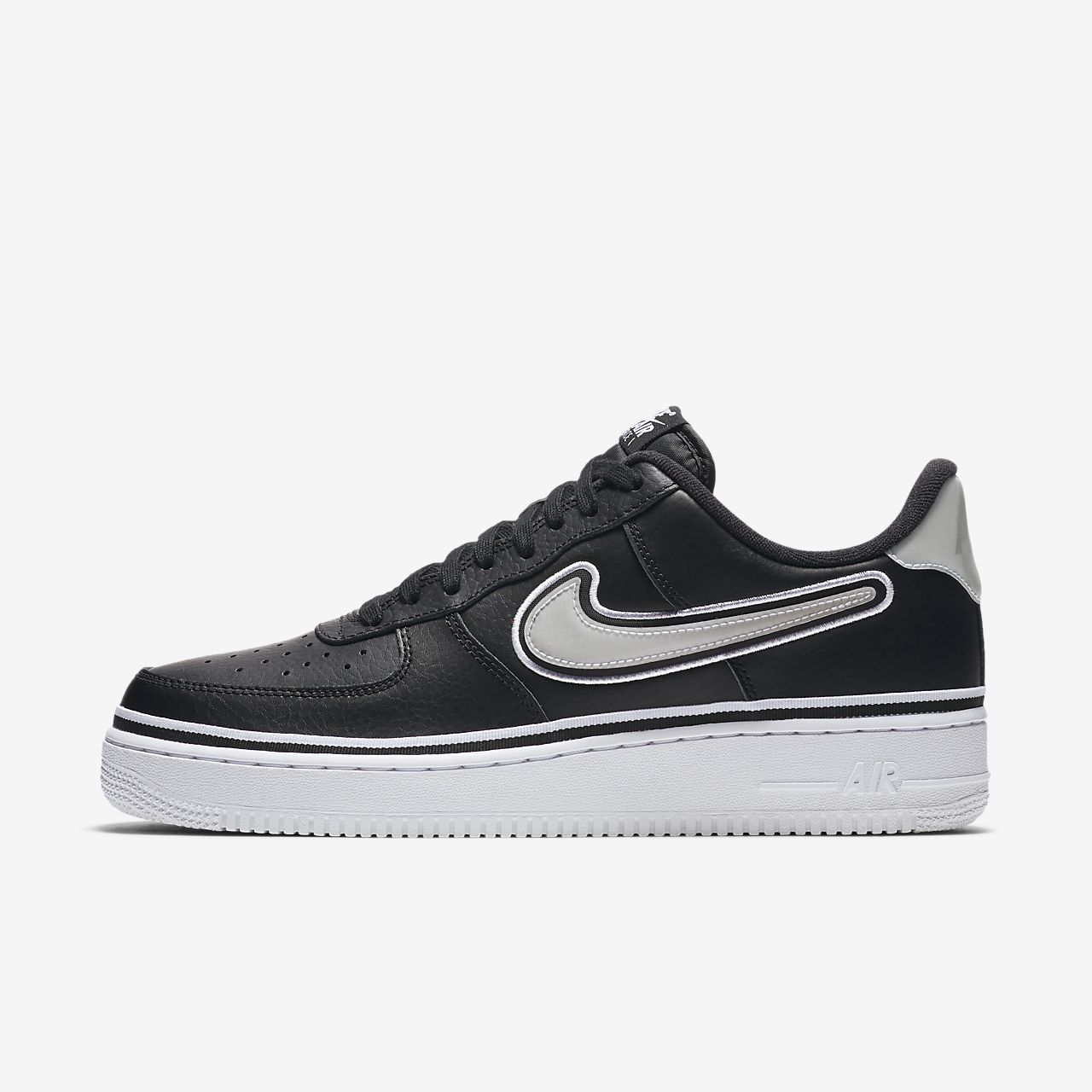 d7cba75d2baa3 Nike Air Force 1  07 LV8 Sport NBA Shoe. Nike.com