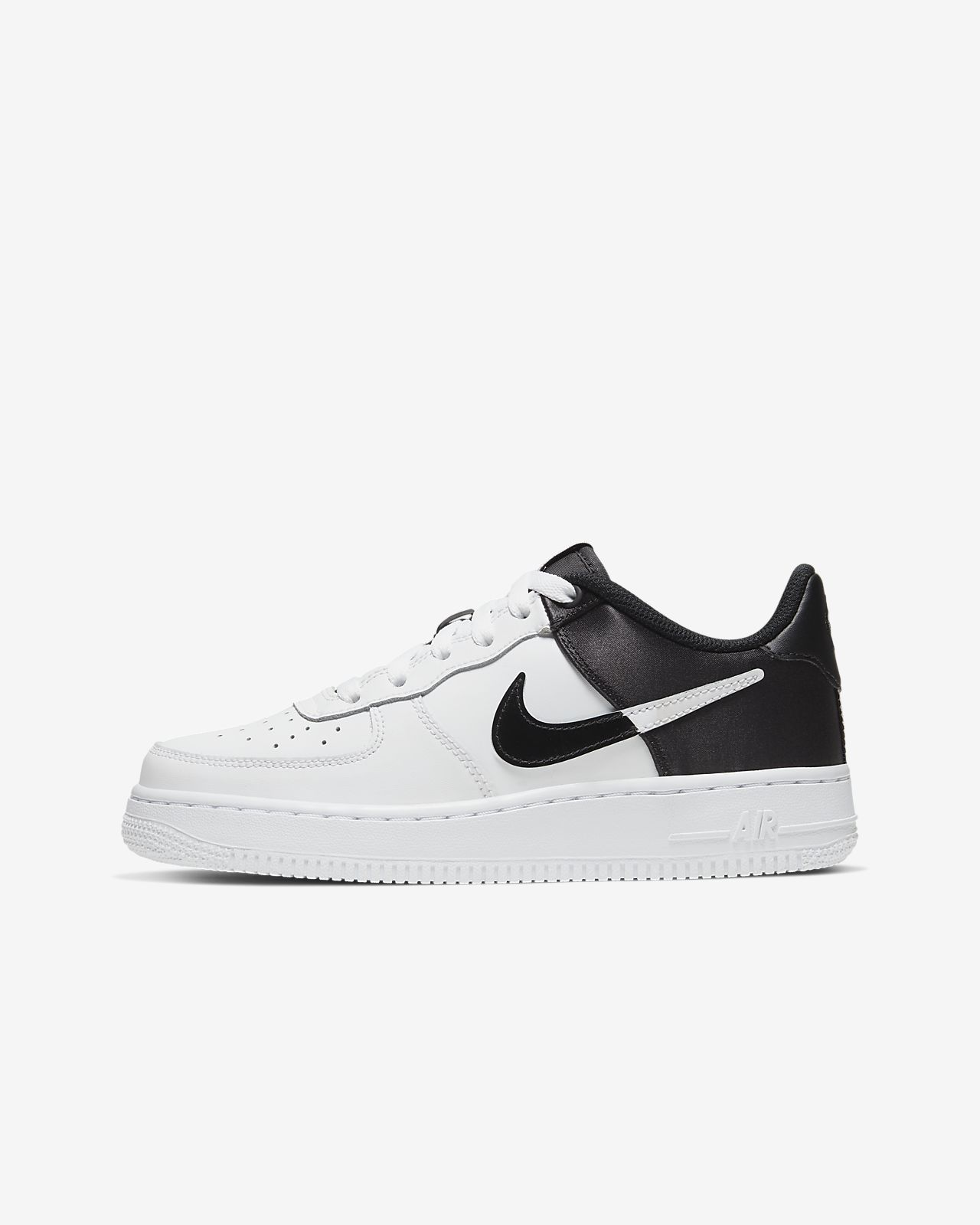 Nike Air Force 1 NBA Low Schuh für ältere Kinder