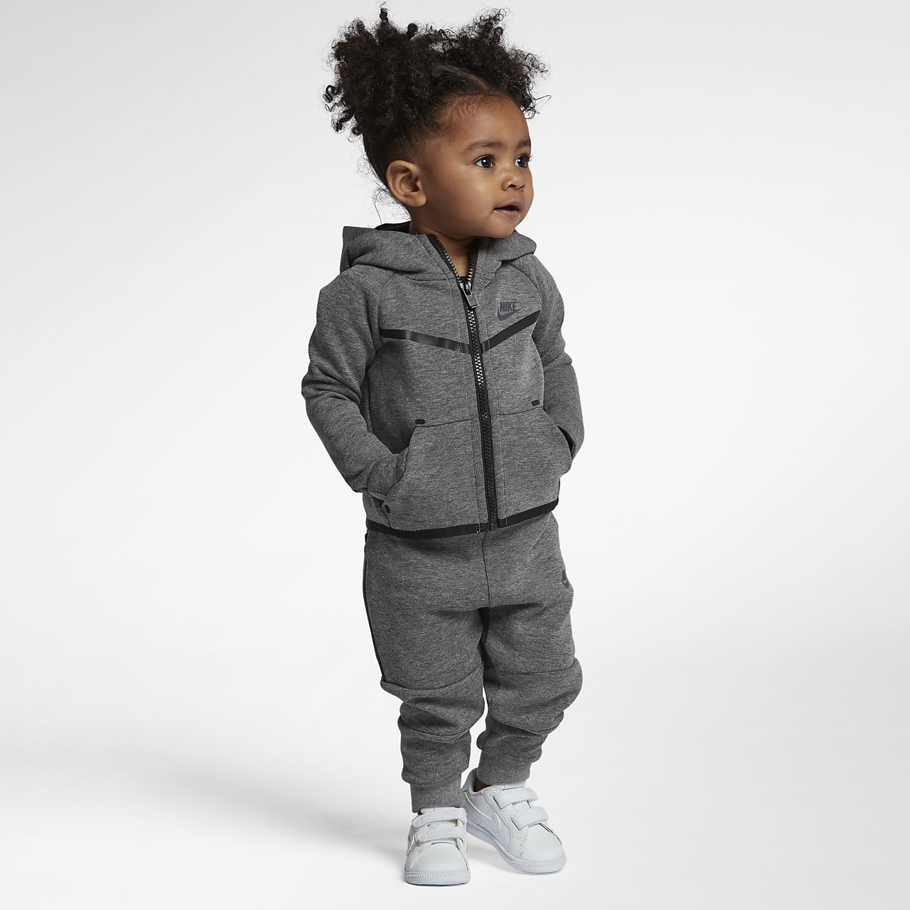 e8a89813fa9a Nike Tech Fleece Baby 2-Piece Set. Nike.com GB