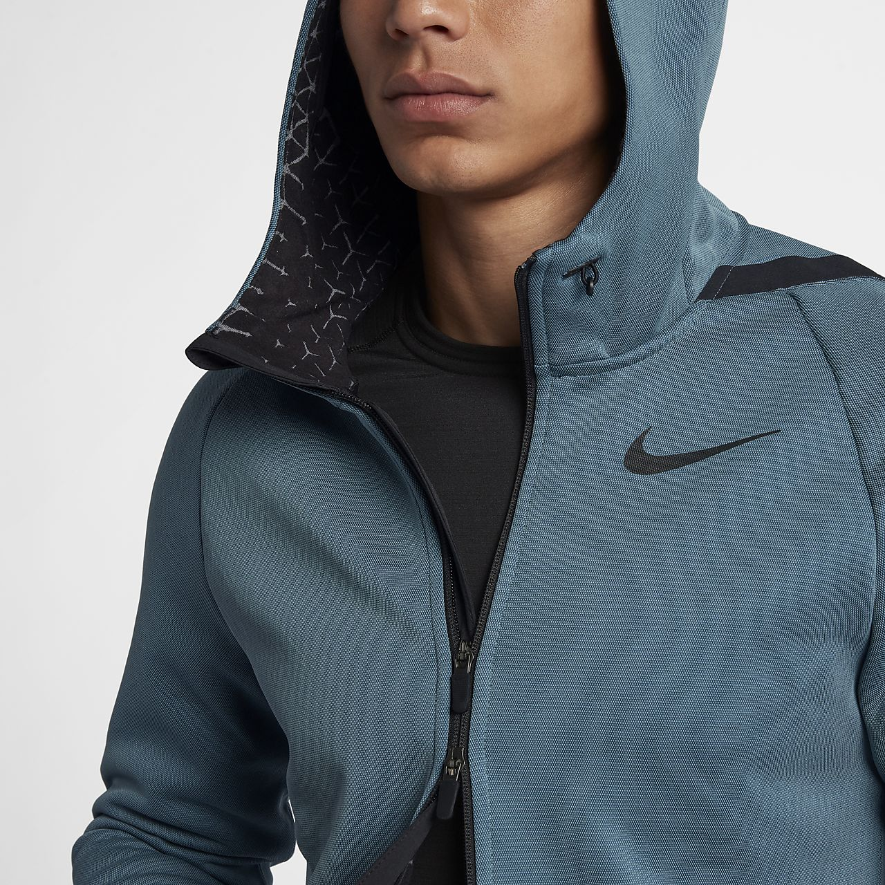 b37c5f1f21 Nike Therma Sphere Men's Training Jacket