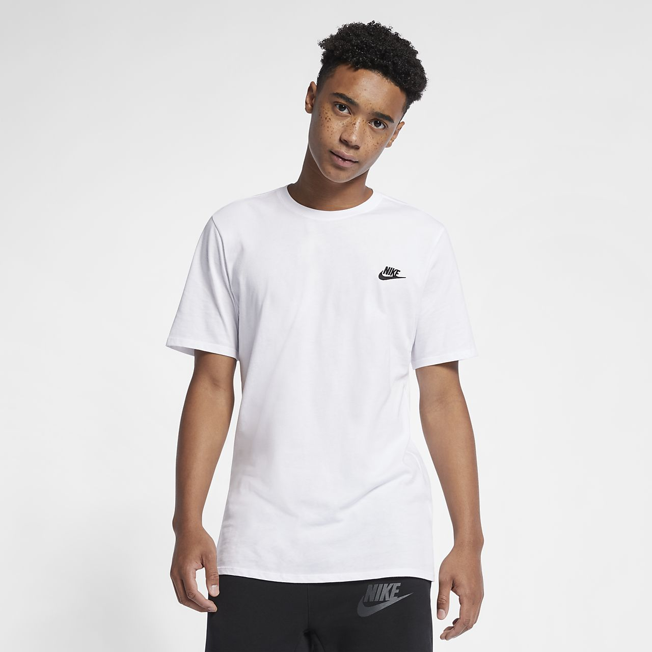 Nike sportswear men 39 s t shirt for Tahari t shirt mens