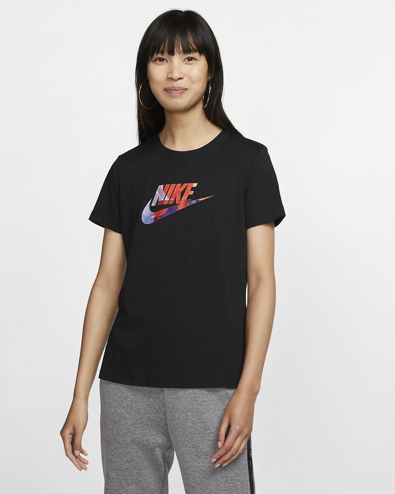 Nike Sportswear 女款 T 恤