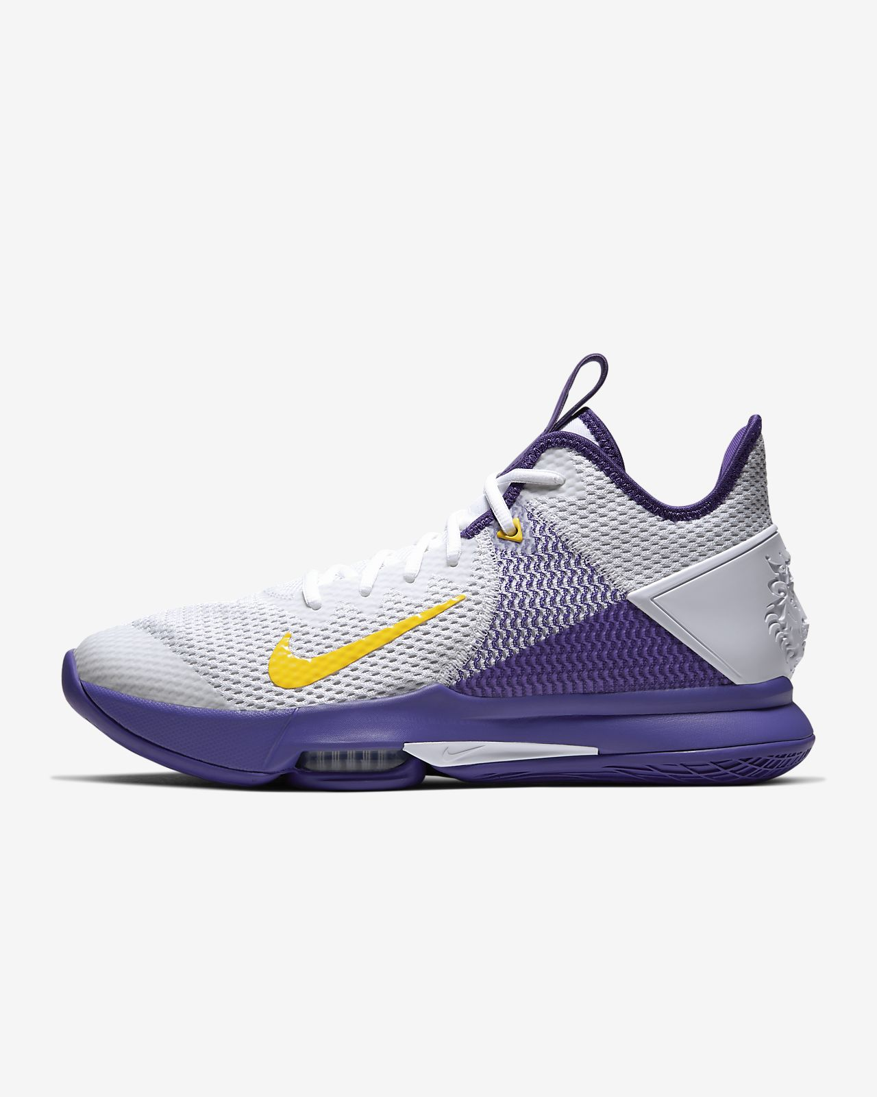 LeBron Witness 4 Basketball Shoe