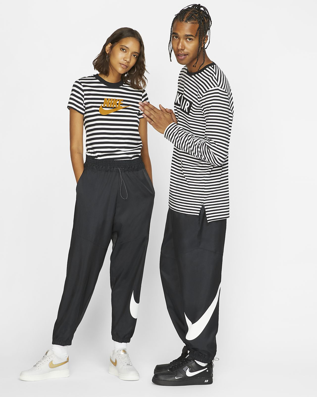 Pantalon tissé Nike Sportswear Swoosh pour Femme. Nike.com FR 7cee848cec2