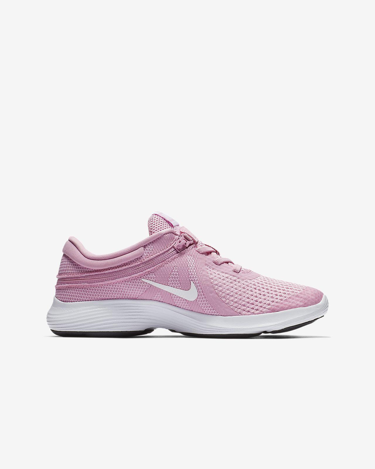 3218e67e4989 Nike Revolution 4 FlyEase Older Kids  Running Shoe. Nike.com GB