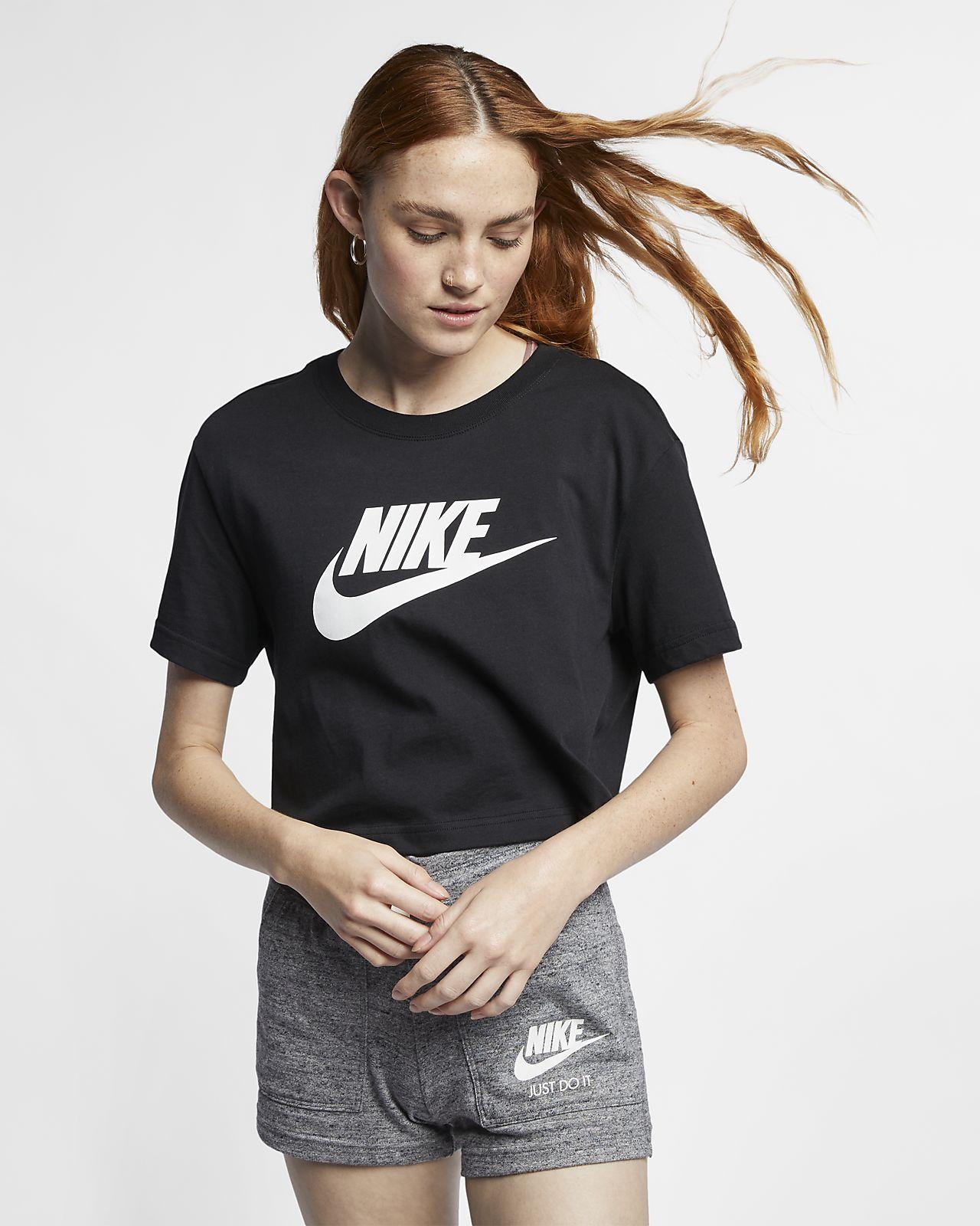 fe1f1d3289 Nike Sportswear Essential rövid szabású női póló. Nike.com HU