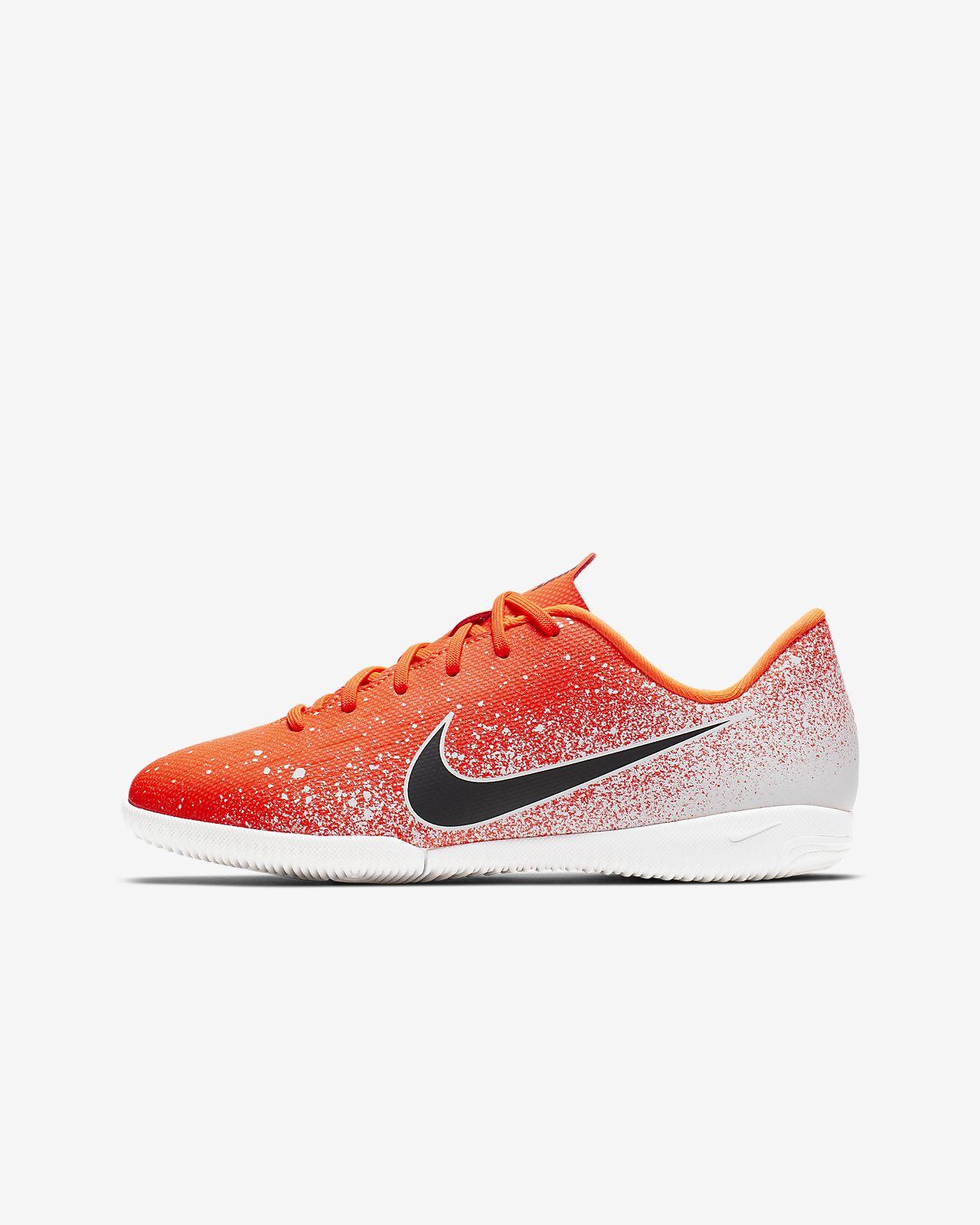 Chaussure de football en salle à crampons Nike Jr. VaporX 12 Academy IC pour Jeune enfant/Enfant plus âgé