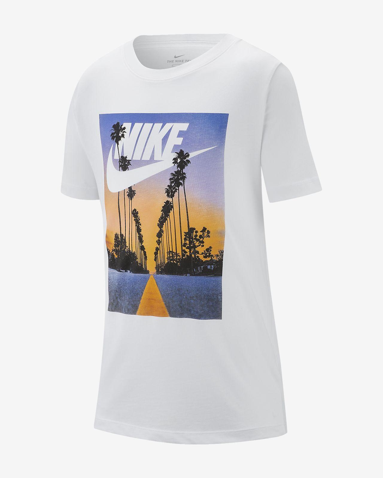 Nike SB Big Kids' (Boys') T Shirt Size Medium (White