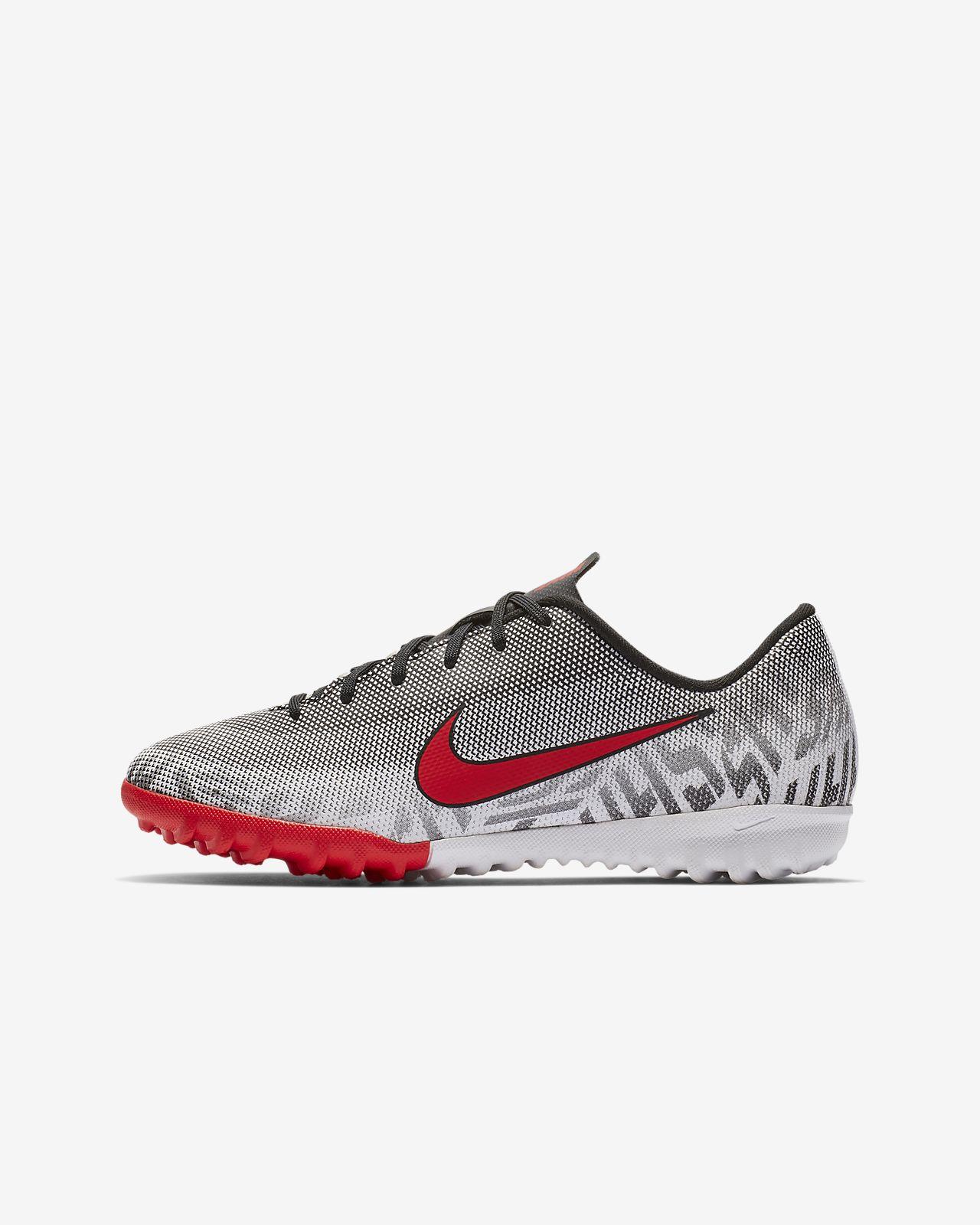 3271a70a0ee0a ... Nike Jr. Mercurial Vapor XII Academy Neymar Jr Botas de fútbol para  hierba artificial o