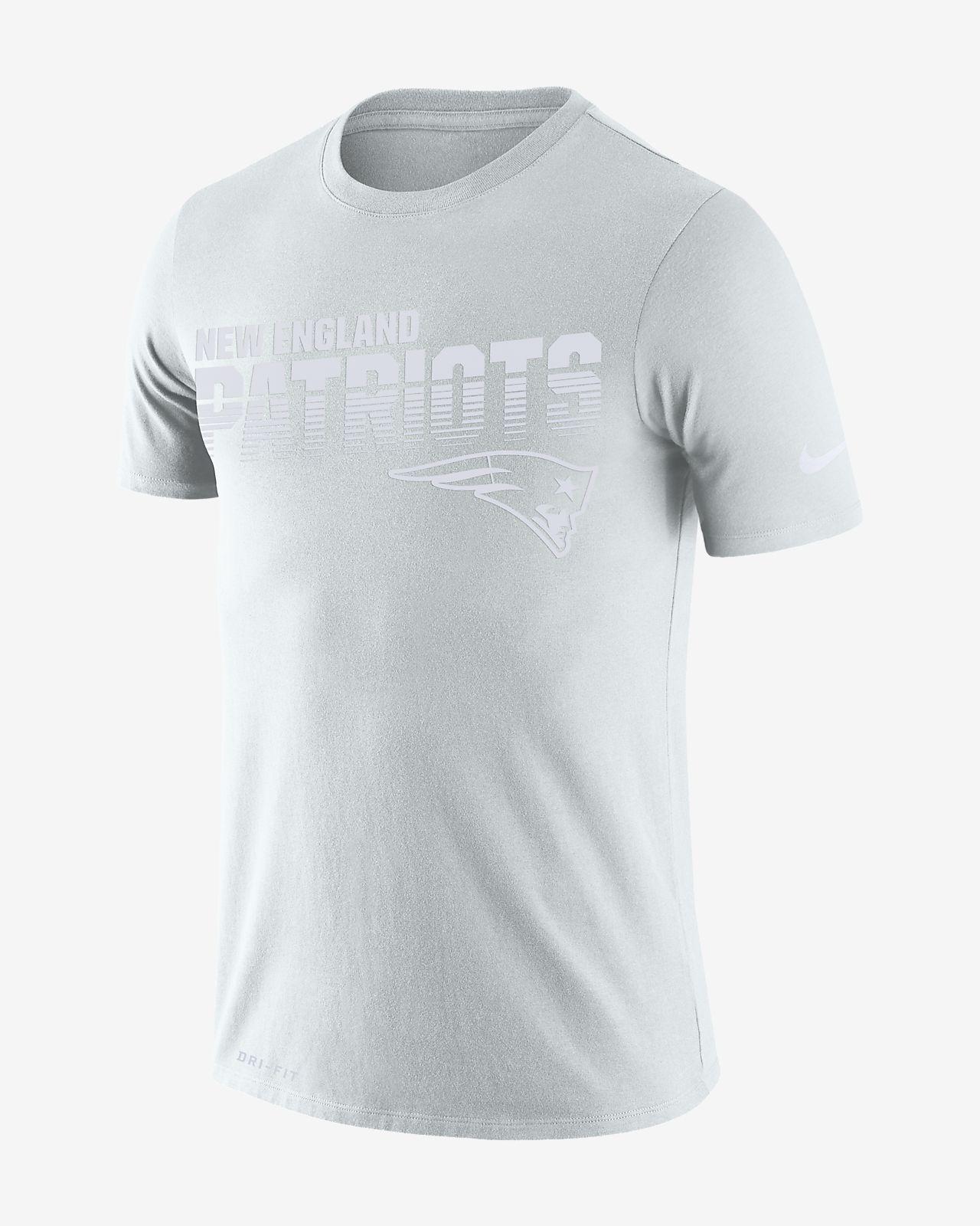 cc980a30 Nike Sideline (NFL Patriots) Men's T-Shirt