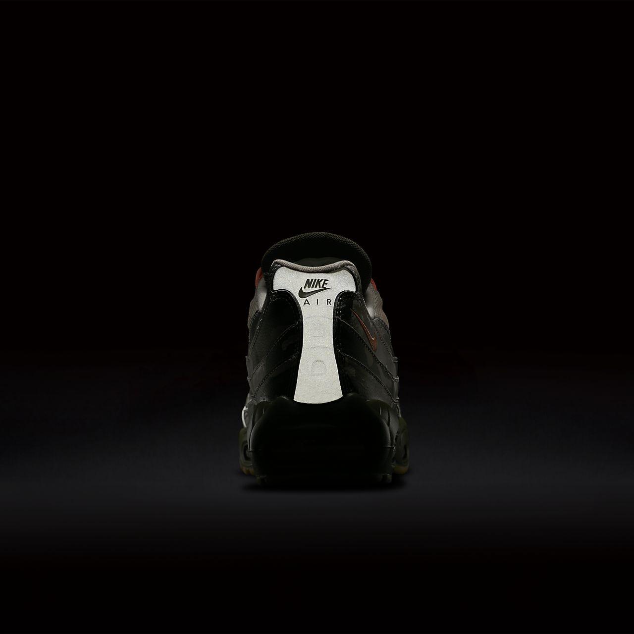 Air Max 95 Essential Mens Lifestyle Shoe (Desert SandBlackCargo KhakiSunset Tint)