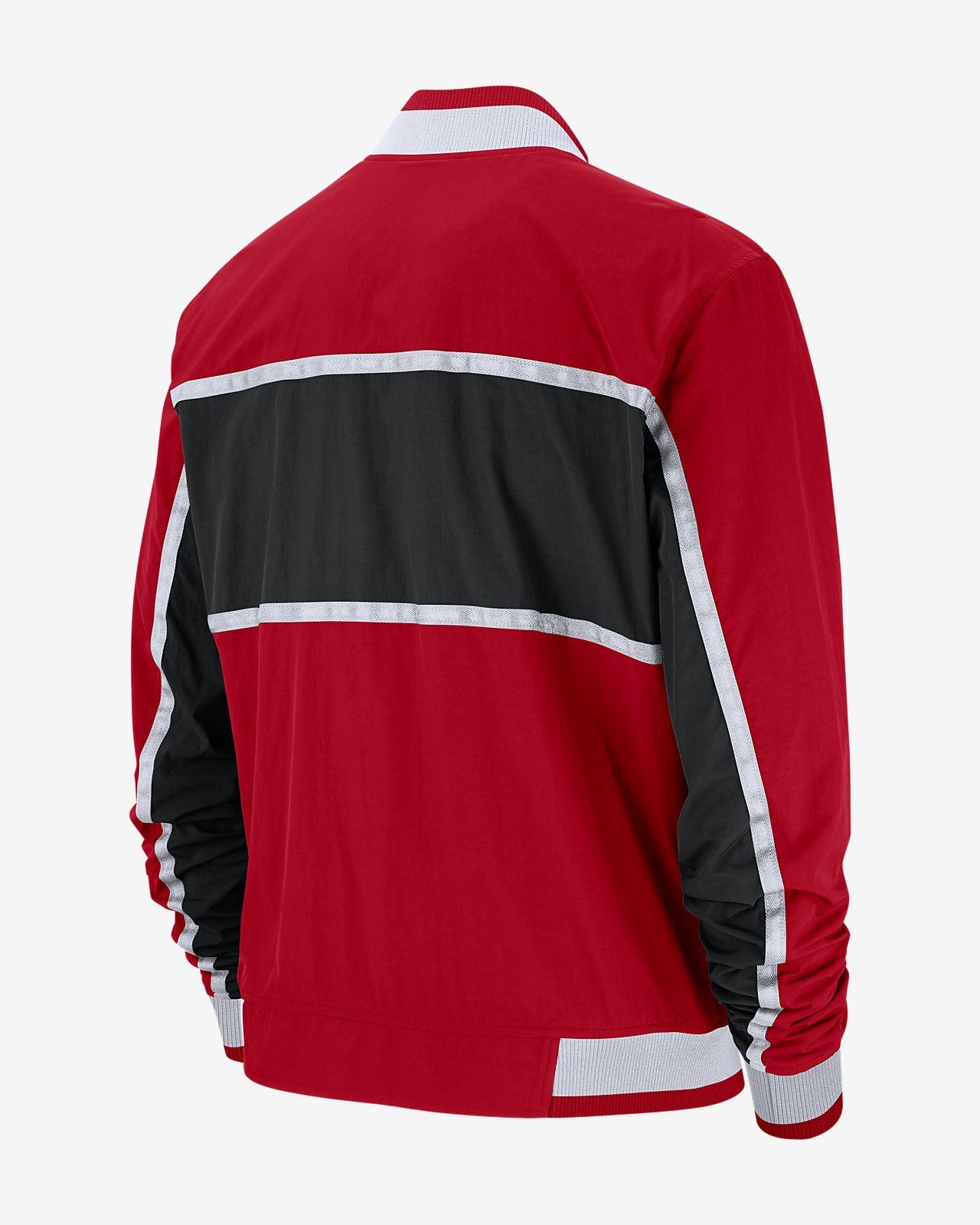 ec94290b07e Chicago Bulls Nike Courtside Men s NBA Jacket. Nike.com