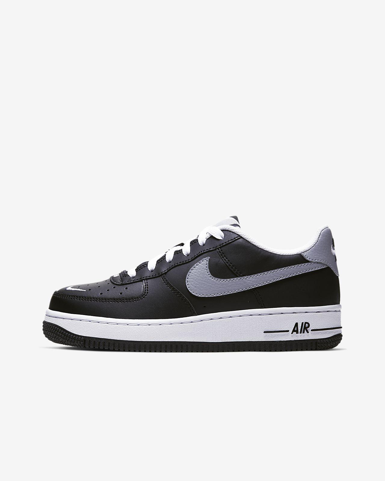 Nike Air Force 1 (AF1) Schuhe und Bekleidung | Haxenclub