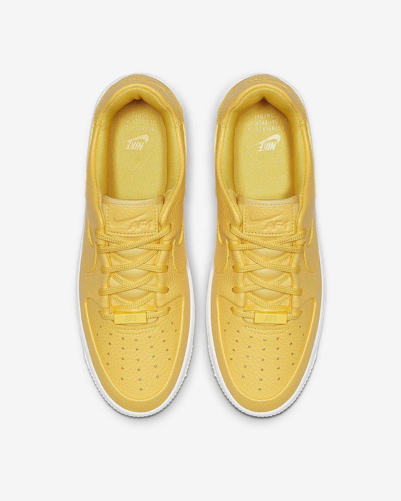 buy online 8e7b3 2a4c8 Nike Air Force 1 Sage Low Women's Shoe. Nike.com