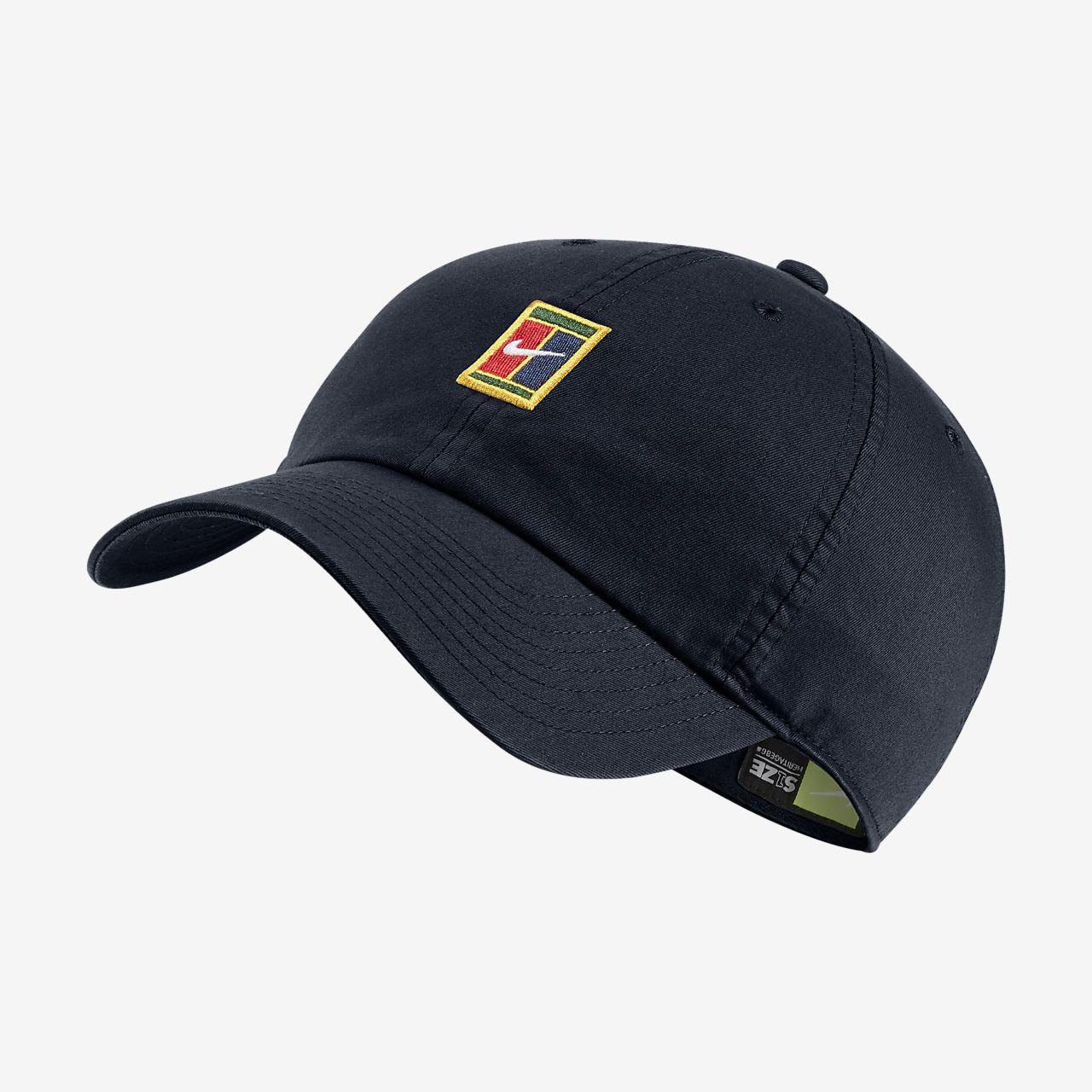 Gorro ajustable de tenis NikeCourt Heritage 86. Nike.com CL 2387c82f69f