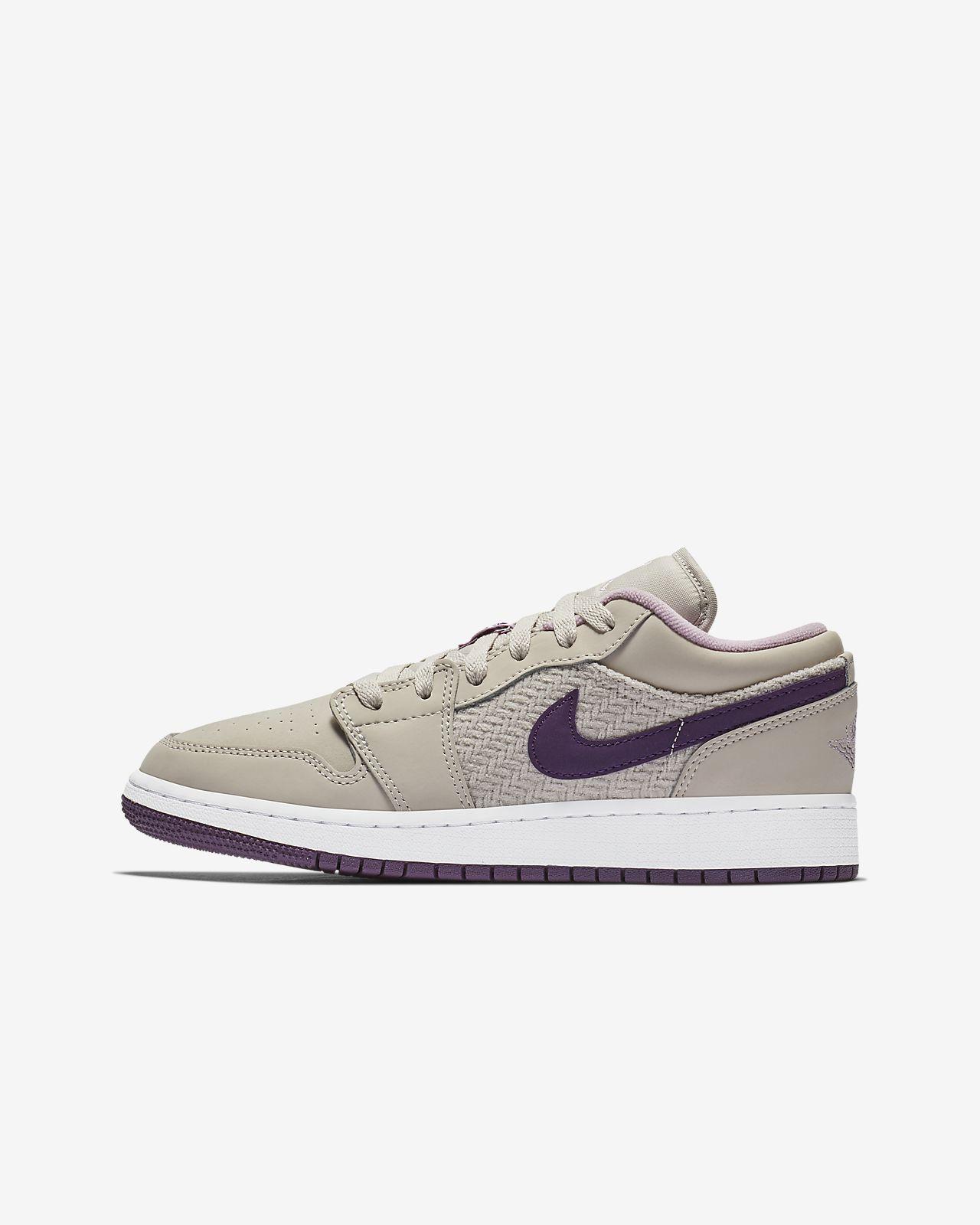 separation shoes 8cc4e 86d9e ... Air Jordan 1 Low Big Kids (Girls ) Shoe ...