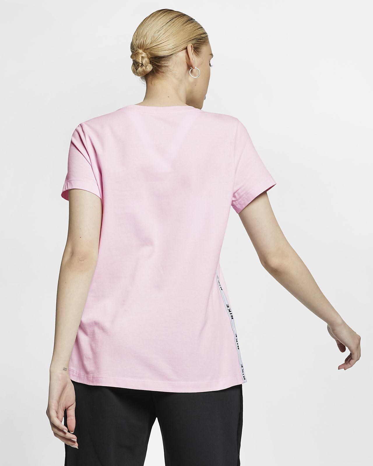 Women's Logo T-Shirt. Nike Sportswear