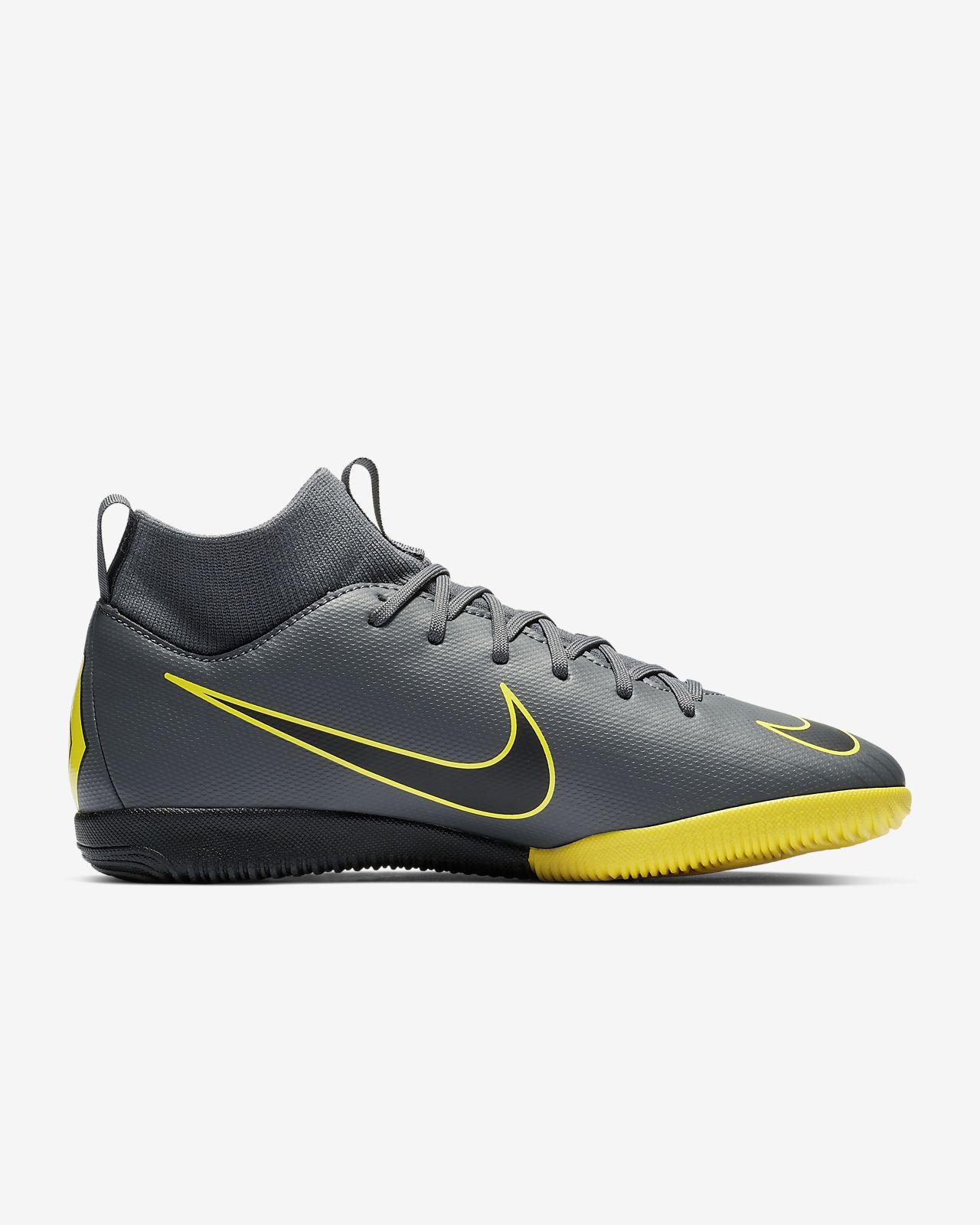 new product c935a e8ab6 ... Nike Jr. SuperflyX 6 Academy IC fotballsko til innendørsbane/gate til  små/store