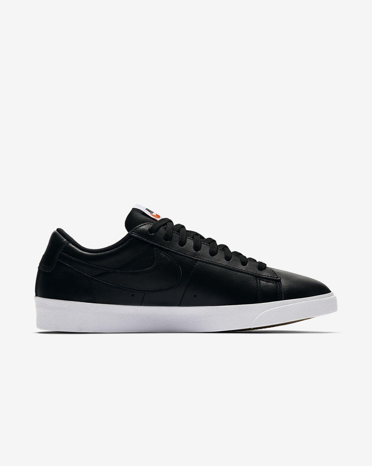Nike Wmns Blazer Low Essential Black/ Black-Black Comprar Barato Barato Toma De Pedidos En Línea Envío Bajo De Descuento Comprar Barato 2018 Unisex xqs4AcwGX