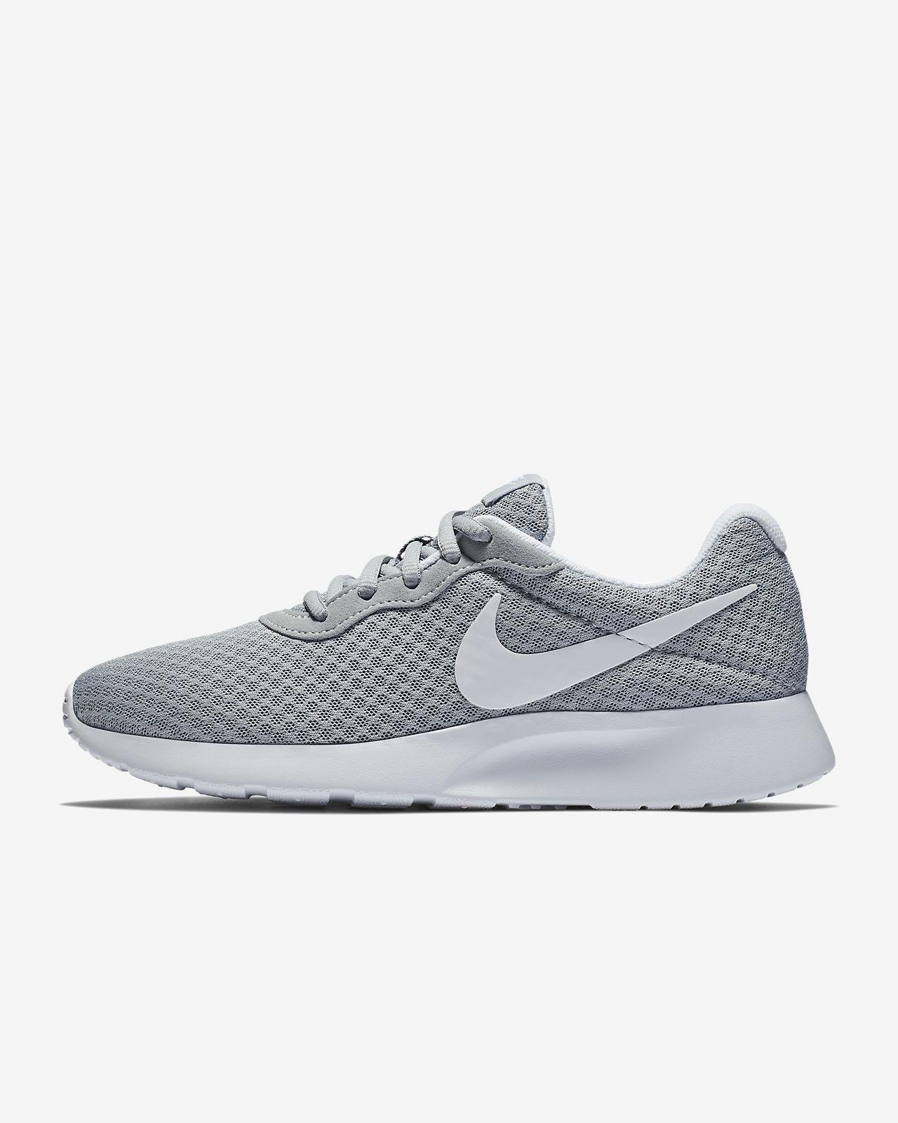 Женские кроссовки Nike Tanjun. Nike.com RU c567a6d44d