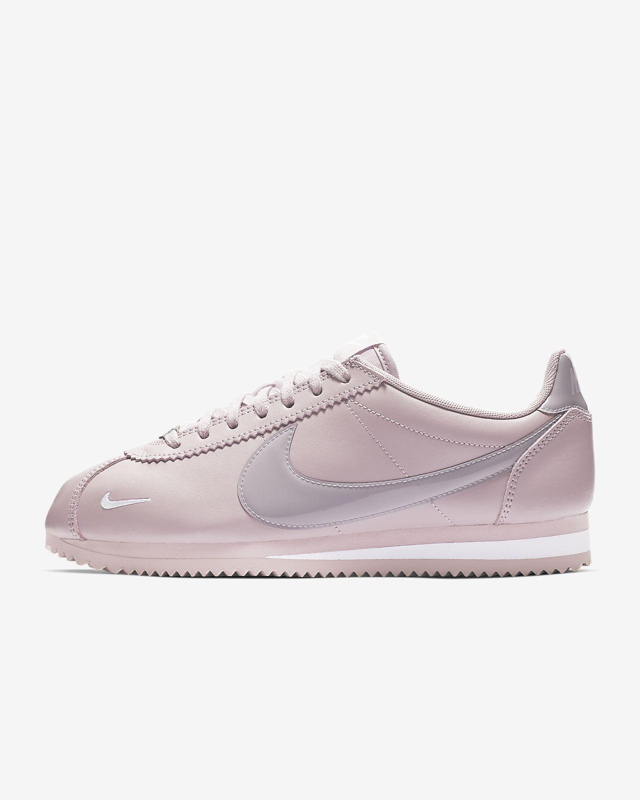 separation shoes edc8d f0b43 ... Chaussure Nike Classic Cortez Premium pour Femme