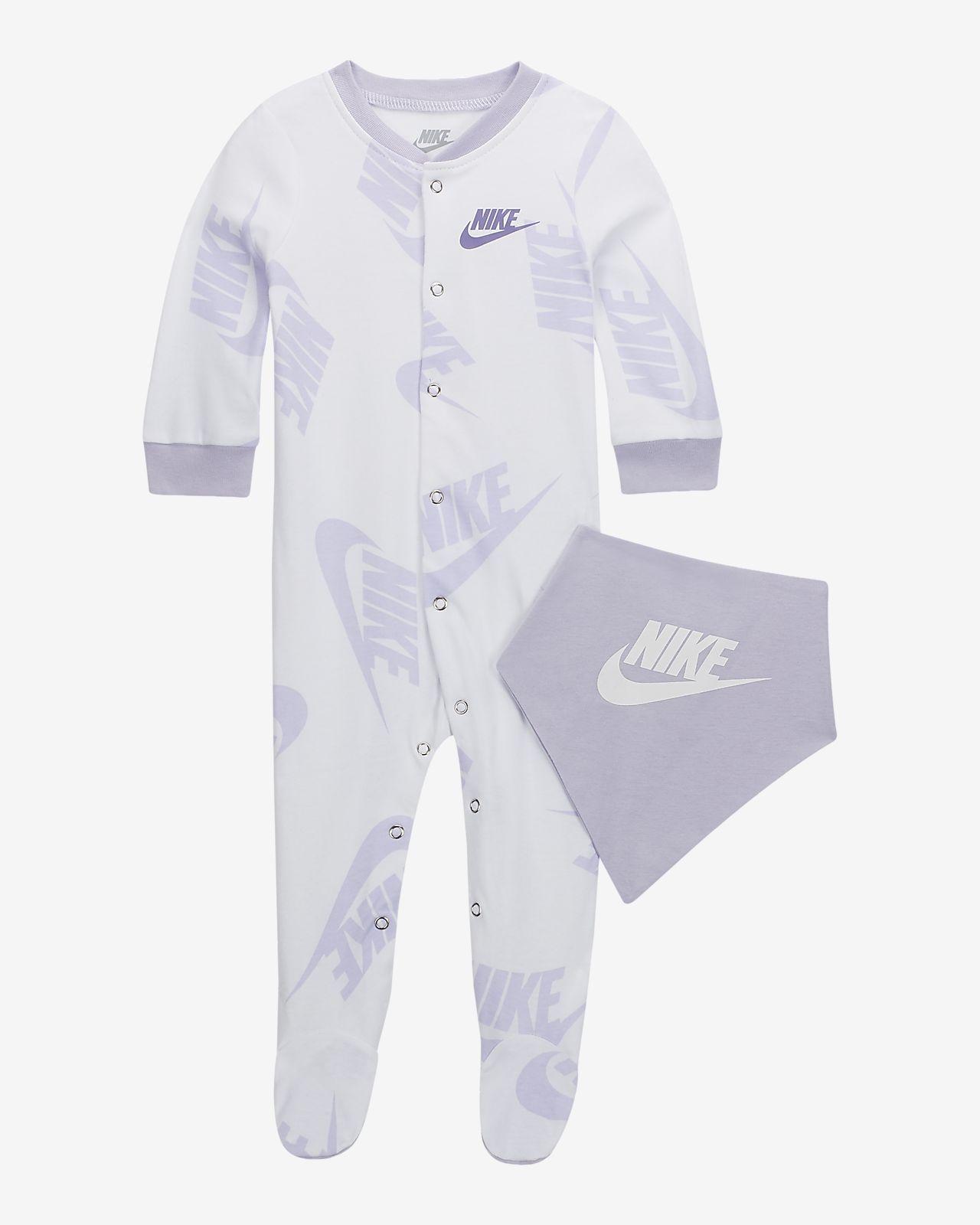pretty nice c7620 c9e37 Nike Sportswear Baby Overalls and Bib 2-Piece Set. Nike.com NL