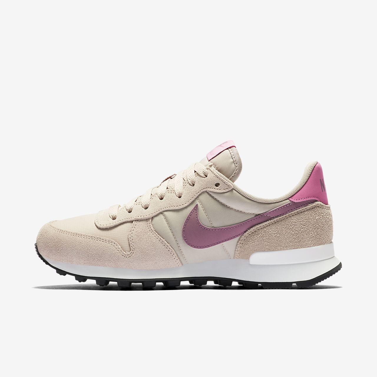 NIKE SPORTSWEAR Internationalist SE Sneakers for Women Pink